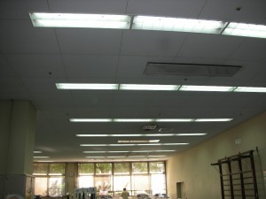 広島市 中区 スポーツセンター様 LED照明 直管型